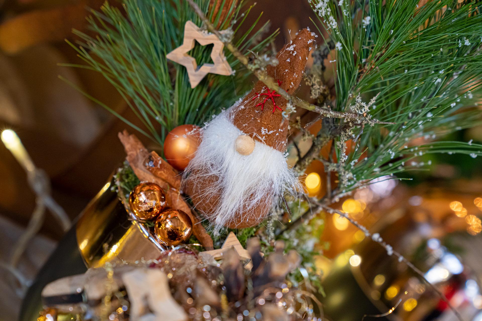 Liebevoll gestaltete Adventsdekorationen aus Ihrer Gärtnerei
