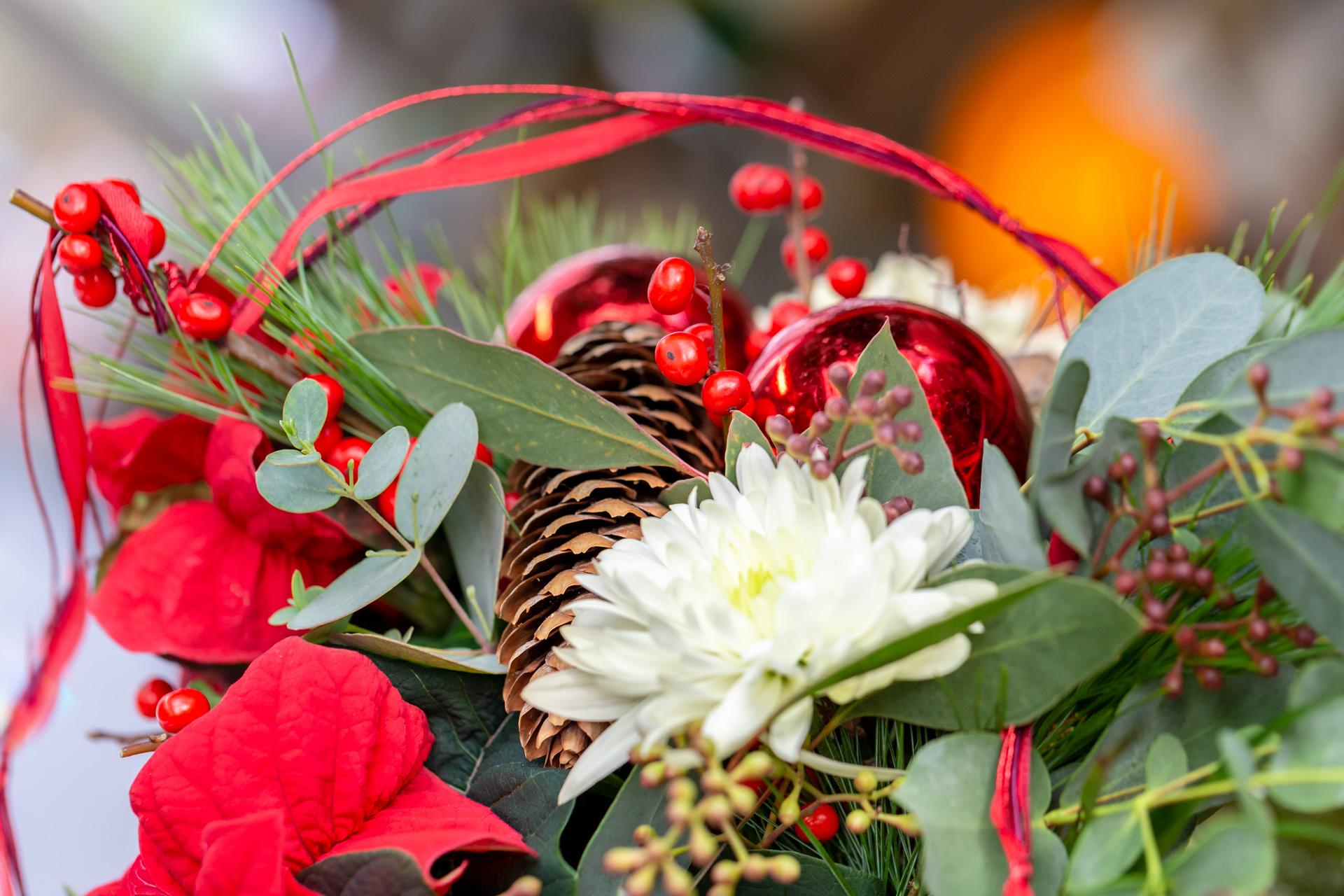 Weihnachtliche Floristik aus Ihrer Gärtnerei