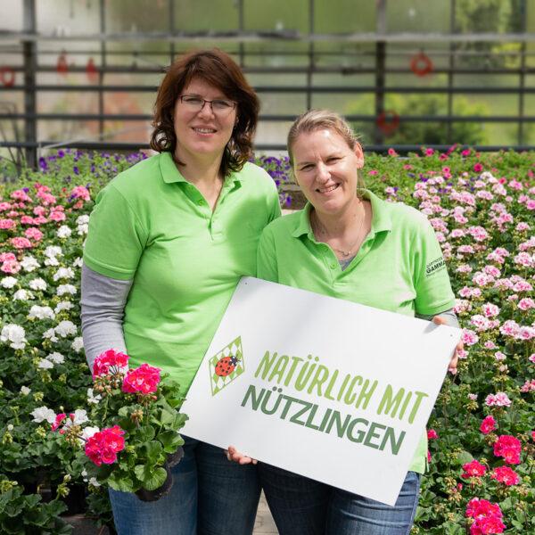 Petra Und Kathrin Gammanick Mit Geranien Quad